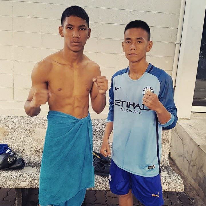 charnchai muay thai fighters make weight bangkok channel 7 stadium